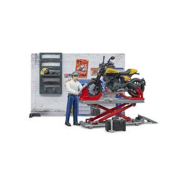Werkplaats Motoren B World