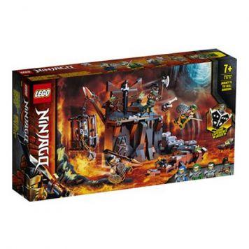 LEGO Ninjago 71717 Reis Naar De Kerkers Van Skull